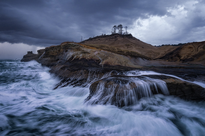 A stormy day along the coast of Cape Kiwanda - Oregon