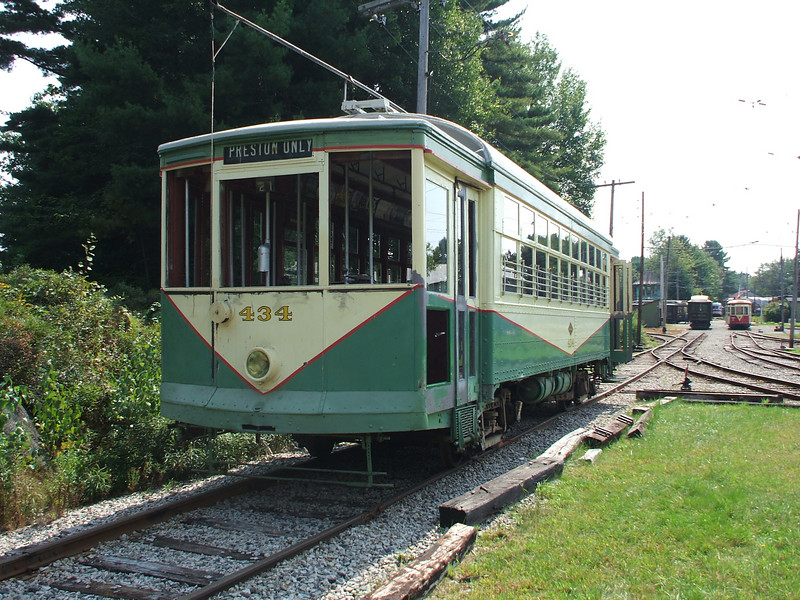 Dallas car 434 sits on the Townhouse Shop lead out of the way of the Wheeling car move.