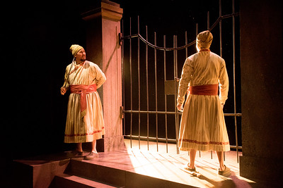 Sam Gilstrap and Jihad Milhem star in BETC's production of Guards at the Taj by Rajiv Joseph (photography: Michael Ensminger)
