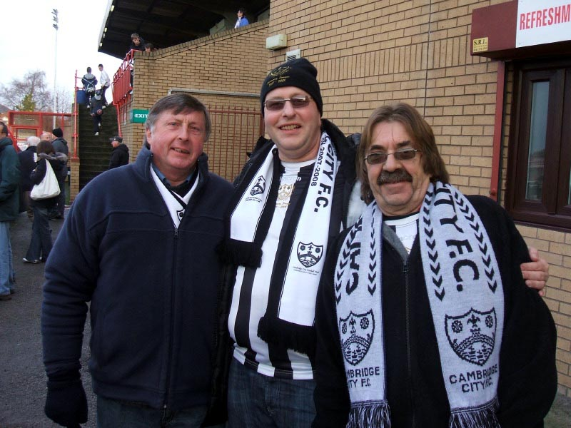 <CENTER>Three happy fans prior to kick-off</CENTER>