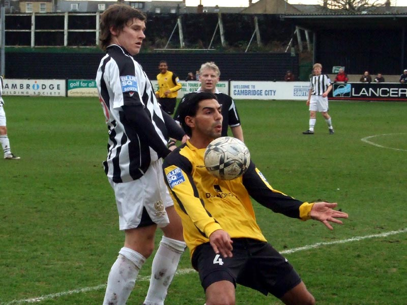 <CENTER>Josh Simpson and Ram Marwa collide</CENTER>