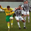 <CENTER>Lee tangles with Thurrock's Lee Flynn</CENTER>
