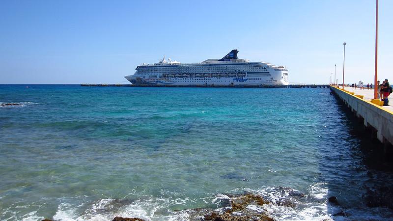 Cruise 2012: The Norwegian Spirit at Costa Maya.