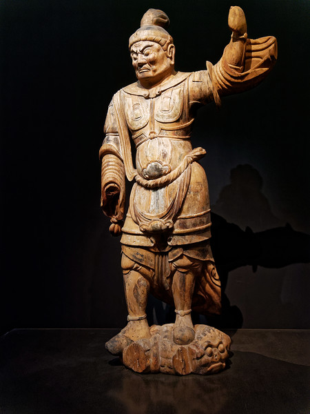 Standing Ten' no (Deva King). Wood with polychromy. Heian period, 10th–11th century