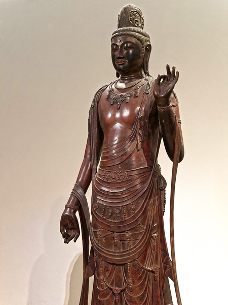 Standing Sho Kannon Bosatsu (Avalokitesvara). Gilt bronze. This is a 20th-century copy of the original, now in Yakushiji, Nara, from the 7th–8th century and the Asuka-Nara period.