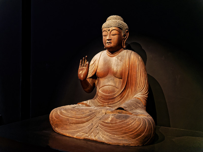 Seated Amida Nyorai (Amitabha). Wood with gold leaf. Heian period, dated 1147