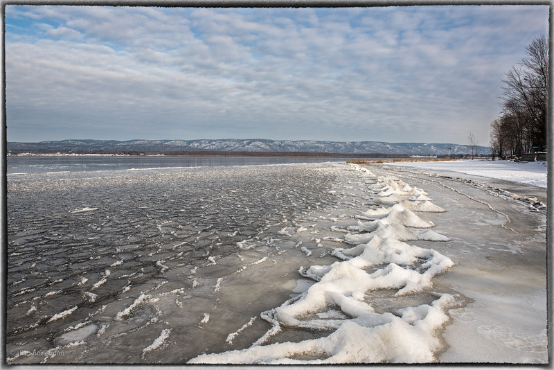 Frozen Waves on Ottawa River