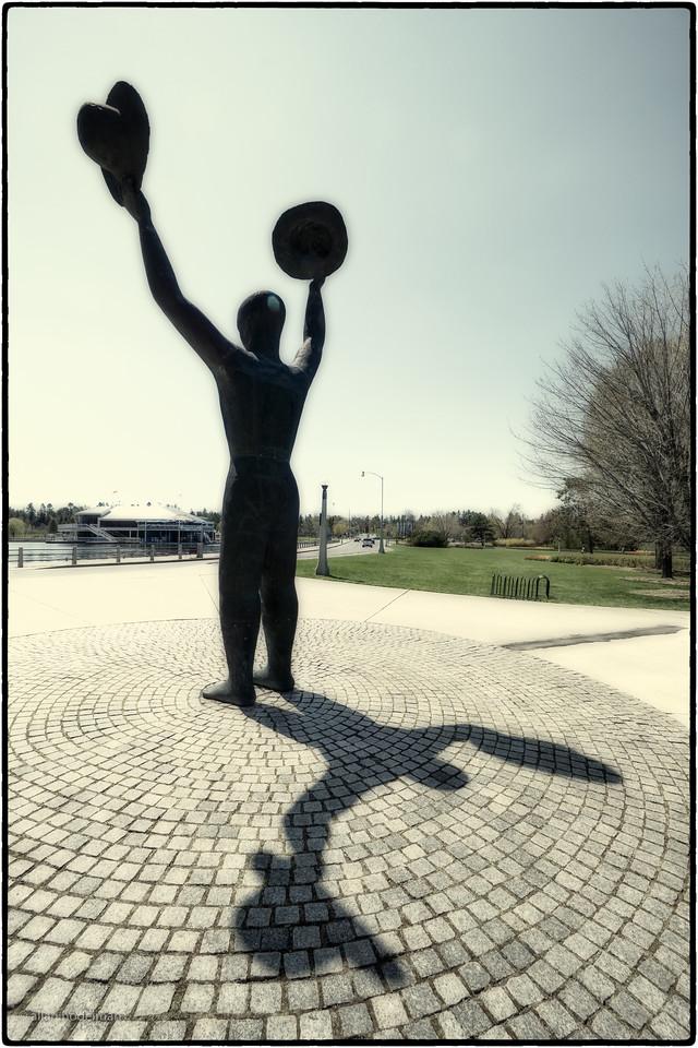 Statue at Dow's Lake