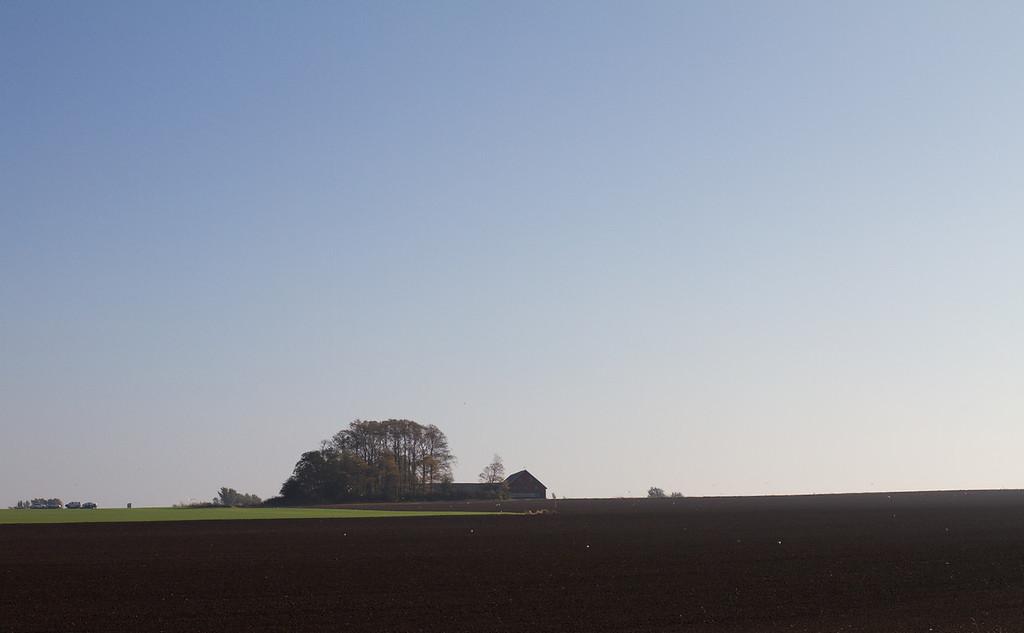 Glumslöv (between Helsingborg and Landskrona). View east.
