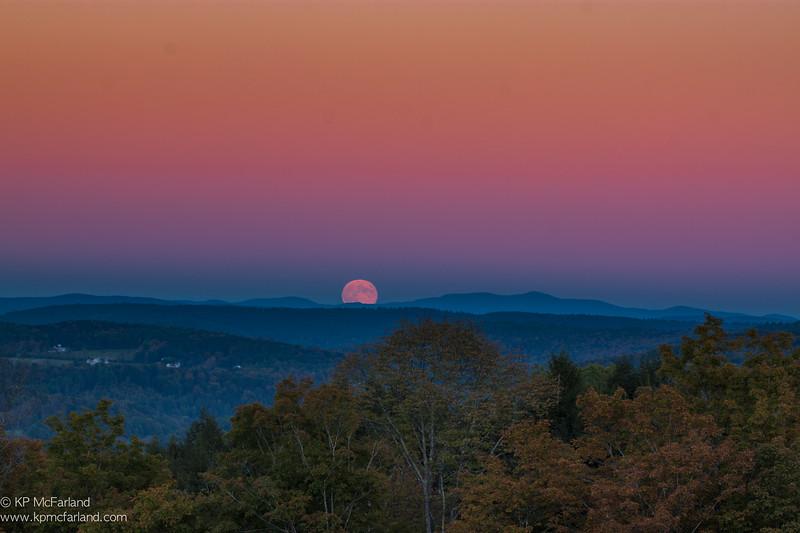 Full Harvest Moon Rises
