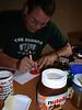 Konzentration auf die nutella-Schablone