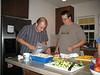Männer beim Kochen