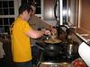 Marco zeigt Huhn-Kochen