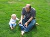 Tim und Jens im Gras