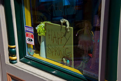 This was a store front in Lewes Deleware.  We went there to look around the quaint shops they have.  This was a nice reminder that spring is/was here.