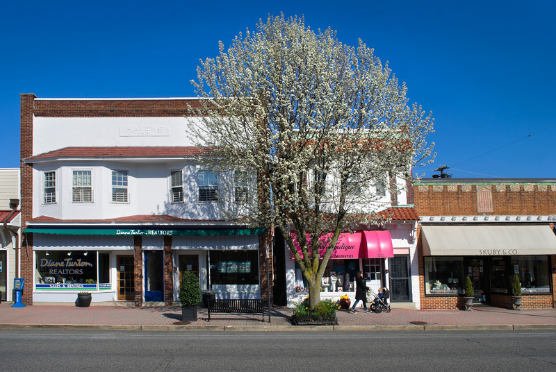 Stores along Main St. in Spring Lake, New Jersey during a quiet Spring Sunday afternoon.