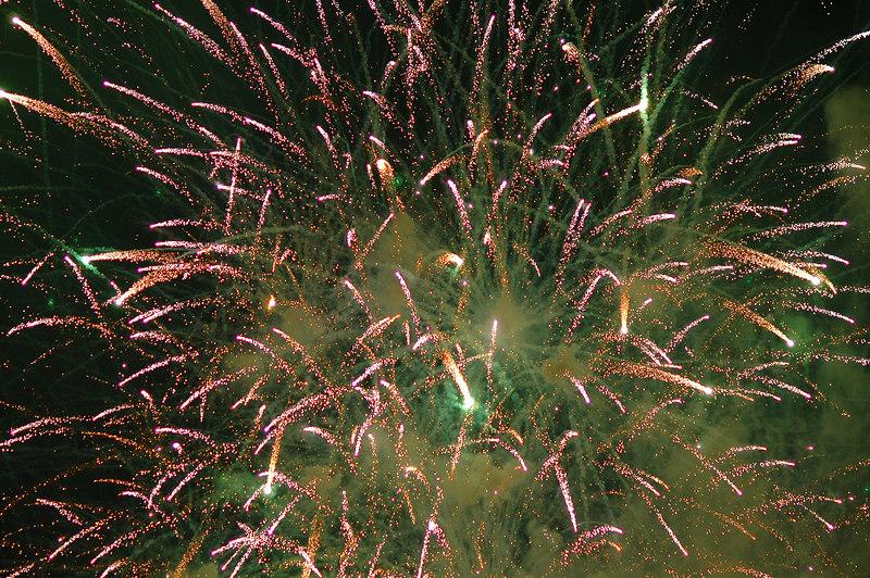 Lynnwood 4th of July Fireworks 2006