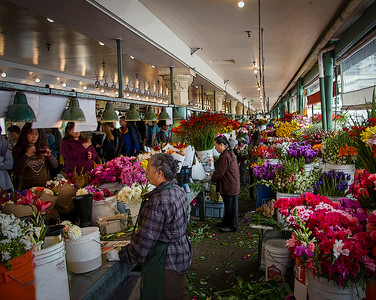 Flowers being sold at Pike's Place Market