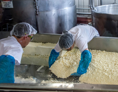 Making the cheese at Beecher's at Pike's Place