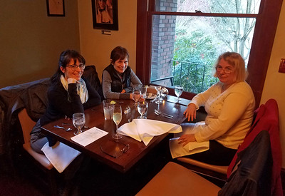 We ended the day with a very pleasant evening at the Preservation Kitchen restaurant in Bothell with our neighbors Michelle and Deonne.