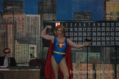 Glamazonia welcomes attendees to the first Gay Bingo of the 2007 season by showing off her super-hero strength!