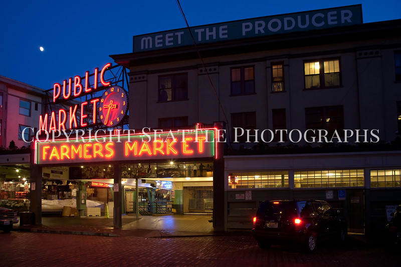Pike Place Market Evening 122