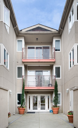 Lovely Updated North Seattle Condo