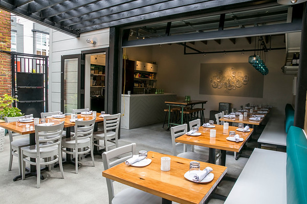 Brimmer and Heeltap Restaurant in Seattle, WA