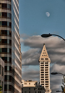 smith-tower-moon-1