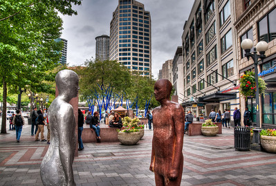downtown-statues-2