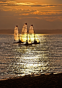 sail-boats-sunset