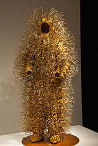 gold-figure-6