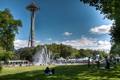 seattle-center-fountain-needle-2