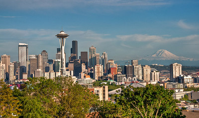 space-needle-rainier-skyline
