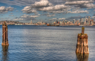 seattle-skyline-pilings