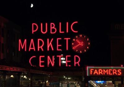 pike-street-market-moon-2