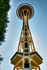 space-needle-glow