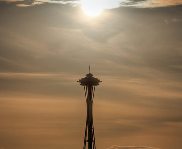 space-needle-sun