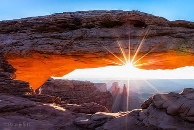 Sunrise at Mesa Arch in Canyonlands National Park, Utah, USA