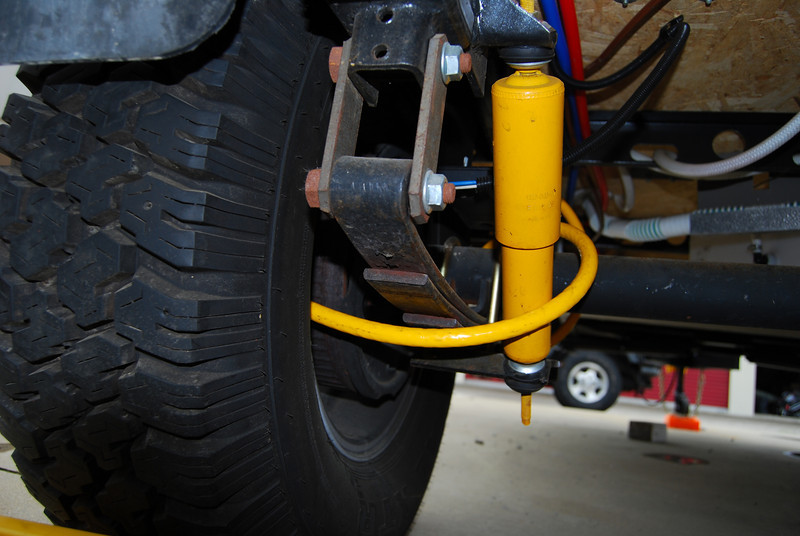 The cable going around the axle.