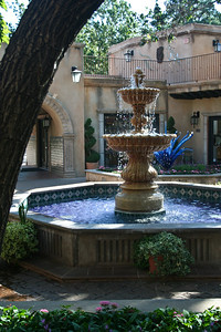 Peeking at Tlaquepaque Fountain