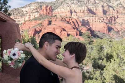 Kelsey & Jaminh Exchange Vows at Casa Sedona Inn