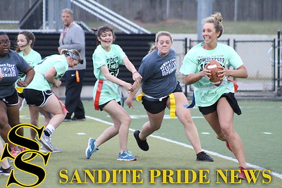 2016 Powderpuff Football game