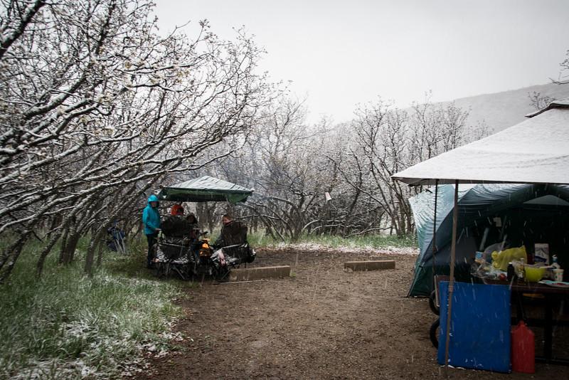 Camping, fireplace, snow.
