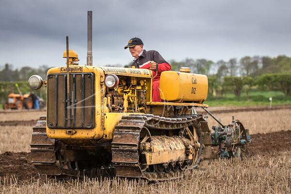 Caterpillar D2 vintage ploughing