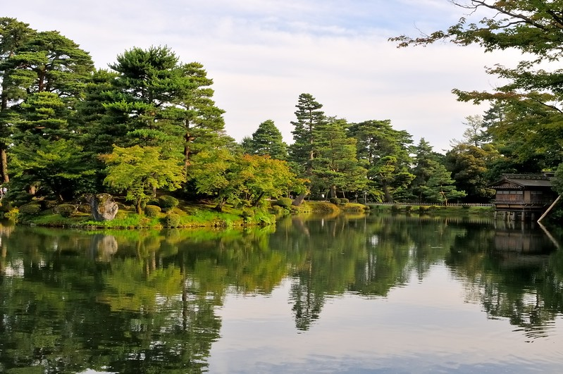 Kenroku-en Garden - One of Japan's three great gardens