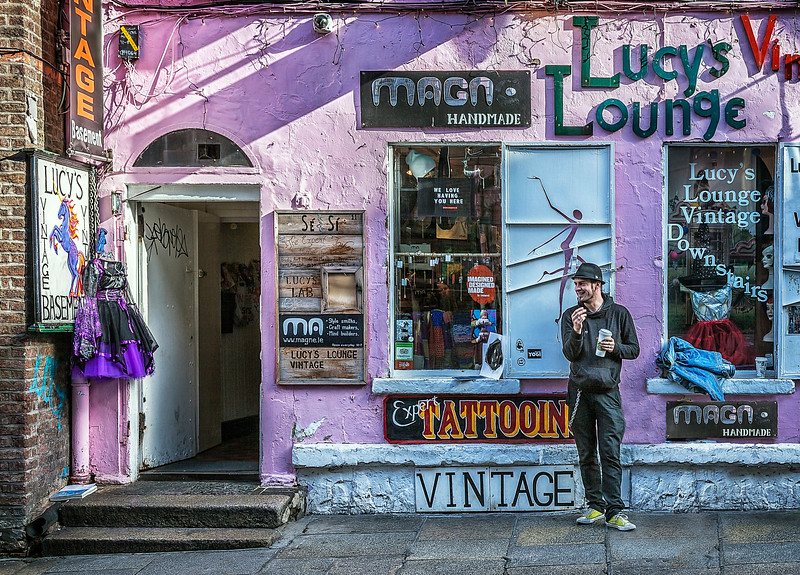 Lucy's Lounge
