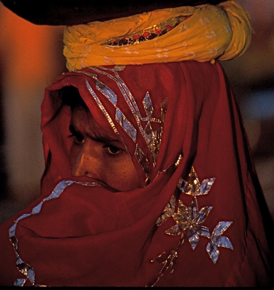 """""""Red Vail"""" - Pushkar Camel Fair"""