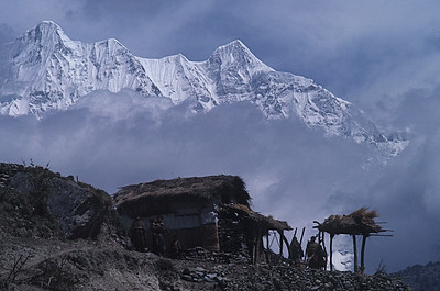 "Nepal -Dhaulagiri Circuit Attempt 1987 ""Mountain Village"""
