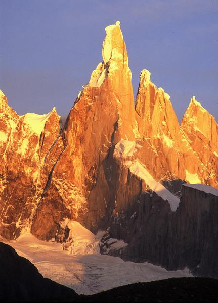 Golden Throne - Los Glaciers NP